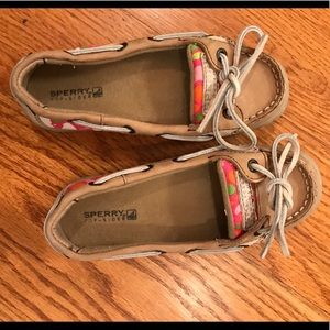 EUC Sperry Loafer, Tan w Floral